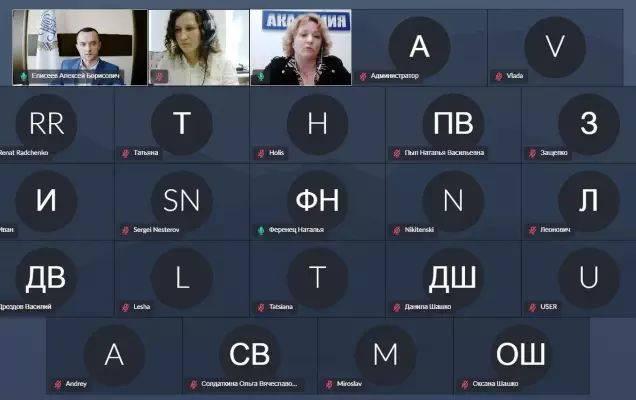 Директор Минского филиала РЭУ ответил на вопросы учащихся и выпускников Компьютерной Академии ШАГ
